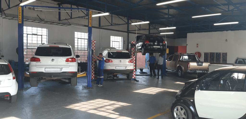 AB Motorsport workshop